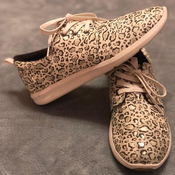 toms shoes leopard print